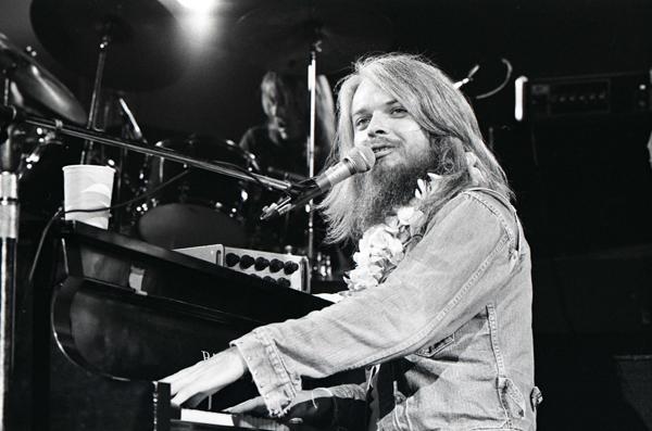 1973-leonrussell-redferns-85354885.jpg