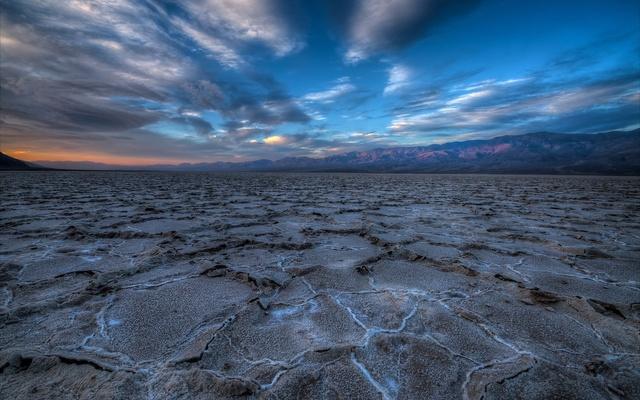 USA-California-Death-Valley-beautiful-morning-scenery_1920x1200.jpg
