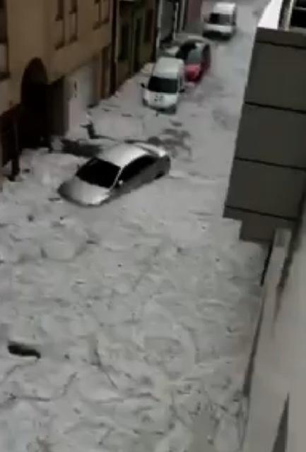 sc-hail-cars.jpg