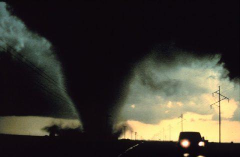 tornado-541911_640-480x315.jpg